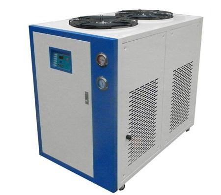 关于风冷式工业冷水机设备的技术要求和保养常识