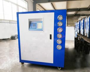 工业冷水机冷冻油更换时应注意什么?断水故障应如何处理?