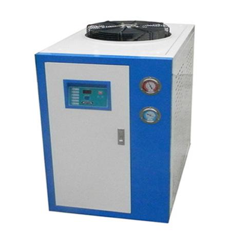冷水机的冷冻油更换方法以及遇上断水故障的处理方法
